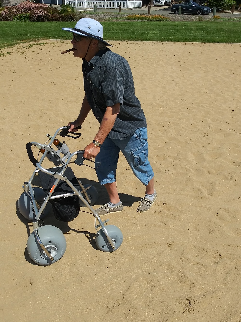 WheelEEZ® All-Terrain/ Beach Rollator